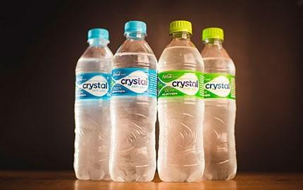 Água com e sem gás